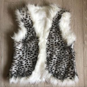 Jackets & Blazers - Cheetah White Faux Fur Vest Spotted Polka Dot